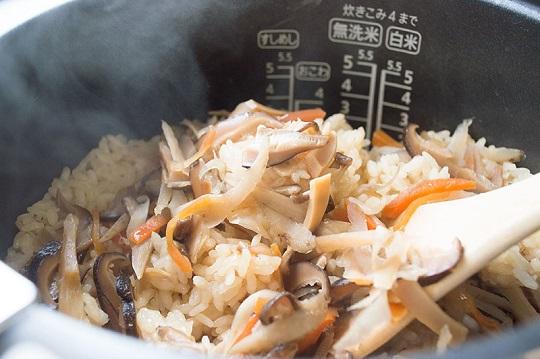 炊き込みご飯の素_椎茸メシ6