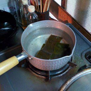 しいたけと魚のすり身入すまし汁2